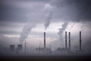 化疫情危機為轉機 IEA籲趁碳排減少投資綠能